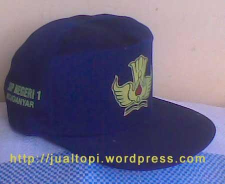 Topi SMP warna biru
